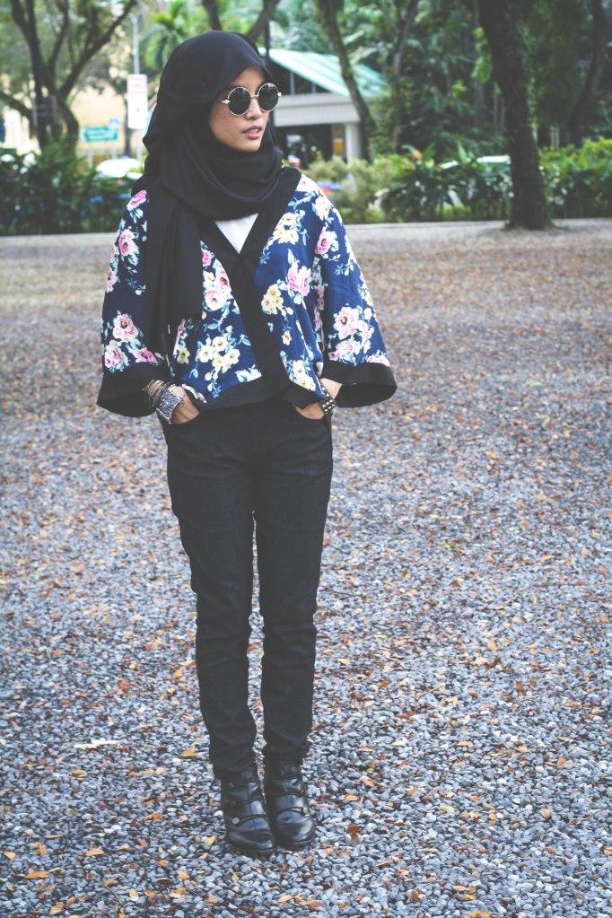 Kimono, Hijab, Spring, Fashion, Style, Round sunglasses, Sunglasses, Shades, Circle shades, Round shades